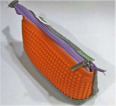 Cover of Pencil Case Game Assorted Colours - 3135258227828