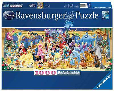 Cover of Disney Group Photo 1000 Piece Puzzle - Ravensburger - 4005556151097