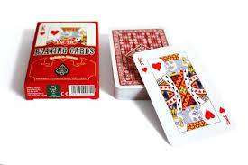Cover of Playing Cards International Golden Red 2019 - Tactic Games - 6416739559728